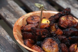 Plantain hot from the fryer, nice and carmelized, just how I like them.